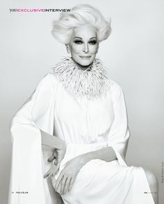 Carmen looks amazing. However, at 82 you cannot look this good without knowing a great plastic surgeon. Model Carmen Dell'Orifice at Carmen Dell'orefice, Estilo Glamour, 50 And Fabulous, Advanced Style, Ageless Beauty, Old Models, Aging Gracefully, Old Women, Wise Women