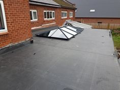 EPDM flat roofing contractors in Worcester. Layton Roofing cover all aspects of flat roofing from EPDM, Felt and fibreglass. All our EPDM roofing systems come with a 20 year install and membrane guarantee. Being worcesters number one roofing specialists we cover all of the worcesterhsire area.