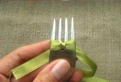 Ideas creativas - DIY arco de la cinta de satén con un Tenedor 6