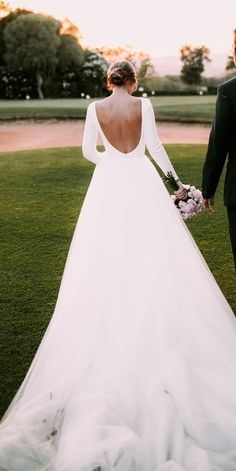 White bride dresses. Brides dream of having the most appropriate wedding ceremony, but for this they need the perfect bridal wear, with the bridesmaid's outfits complimenting the wedding brides dress. Here are a few ideas on wedding dresses.