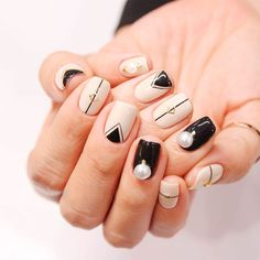 Elegant and Modern Nude Nail Designs for Girls - Fashion Nail Designs Pictures, Black Nail Designs, Nail Art Designs, French Nails, Korean Nail Art, Pearl Nails, Black Nail Art, Geometric Nail Art, Modern Nails