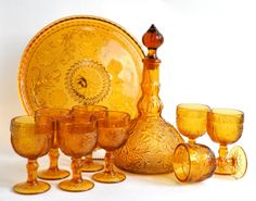 Amber Glass Decanter Set by dishinit Cut Glass, Glass Art, Whisky, Antique Glassware, Drinking Glass, Glass Dishes, Carnival Glass, Amber Glass, Milk Glass