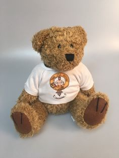 Clan crest t shirt bear, unjointed vintage style with MacFarlane clan crest. Clearance item. only one available at this price - half the normal selling