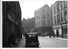 Dublin Street, Dublin City, Old Pictures, Old Photos, Dublin Ireland, City Streets, Military History, Street View, Scene