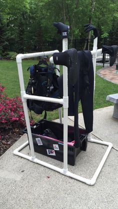 Gadgetflye.com ...DIY Scuba Diving Drying Rack                                                                                                                                                      More