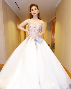 New Girl Style, Debut Ideas, The Big Four, Celebs, Celebrities, Ball Gowns, Dancer, Actresses, Formal Dresses