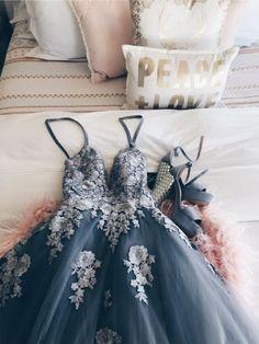 Sexy Spaghetti Straps V-neck Long Prom Dresses With Appliques CR 9923 - Proom Dress Pretty Prom Dresses, Hoco Dresses, Ball Dresses, Cute Dresses, Beautiful Dresses, Evening Dresses, Formal Dresses, Floral Prom Dresses, Homecoming Dresses Long