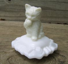 Vintage Kitten Perfume Bottle Avon Sitting by uncommonvintage, $10.00. Just found this one at a yard sale!