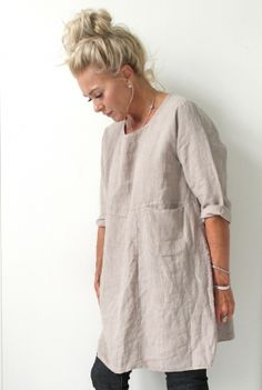 Discover thousands of images about Linen tunic dress Mode Outfits, Fashion Outfits, Linen Tunic, Linen Dresses, Look Fashion, Gothic Fashion, Ideias Fashion, Tunic Tops, Clothes For Women