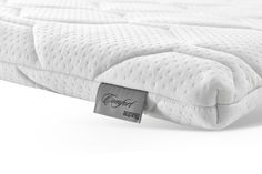 Auping Topper Comfort. Der Kern der Comfort Matratzenauflage besteht aus einem Kaltschaum mit hervorragender Federkraft und garantiert eine gute, atmungsfähige und feuchtigkeitsregulierende Wirkung. #aupingde #aupingabc #matratzen #schlafkomfort #boxspringbetten #betten #topper Overlays, Beds