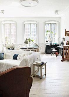 #earchestotry #Homedecorideas #Houseideas #Walldecorlivingroom #Familyroomideas #Livingroomdesign #Livingroomfurniture #Smalllivingroomideas #Livingroomdecorideas #Neutrallivingroom #Apartmentlivingroom #Greycouchlivingroom