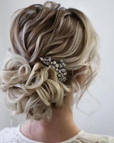 Curly Wedding Hair, Bridal Hair Updo, Bridal Hair Vine, Wedding Hair Pieces, Wedding Hair And Makeup, Wedding Hair Accessories, Hair For Prom, Prom Updo, Wedding Party Hair