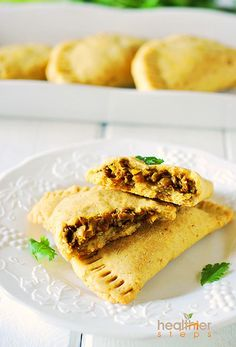 Jamaican lentil patties is my version of the famous Jamaican beef patties, this is both gluten free and vegan. Tastes delicious and flavorful. Veggie Recipes, Whole Food Recipes, Vegetarian Recipes, Cooking Recipes, Healthy Recipes, Free Recipes, Lentil Patty, Comida Latina, Vegan Main Dishes