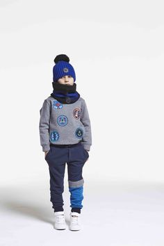 Boyswear badge decorated look sweatshirt from Kenzo Kids for fall/winter 2016