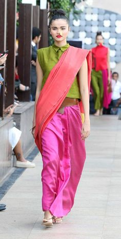 Payal Khandwala What a stunning free-flowing collection! The pieces in this collection feature gorgeous silks and sheer fabrics draped in. Pakistani Outfits, Indian Outfits, Saree Blouse Designs, Blouse Patterns, Payal Khandwala, Coaching, Look Short, Neeta Lulla, Indian Ethnic Wear
