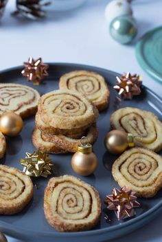 Everyone loves these cinnamon buns cookies - the recipe is delicious - Christmas cookies with cinnamon – cinnamon rolls cookies - Baking Recipes, Cookie Recipes, Dessert Recipes, Cinnamon Cookies, Cinnamon Rolls, Christmas Baking, Christmas Cookies, Christmas Recipes, Cookies Et Biscuits