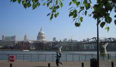 #123: Courir le long de la Tamise Mille, Taj Mahal, Building, Travel, London, Things To Make, Yard, Viajes, Buildings