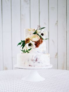 We loved the details on this cake| Ivory and Vine Event Co.