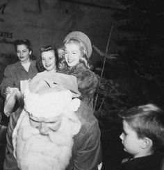 Norma Jeane doing promotional work for the new Darrin Kaiser- Frazer car, December 1946.