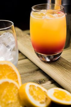Brunch cocktails non alcoholic 57 Best ideas Tequila Sunrise, Cocktail Drinks, Cocktail Recipes, Juicing For Arthritis, Brunch Casserole, Food Porn, Healthy Brunch, Gin And Tonic, Foodblogger