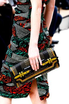 Burberry Prorsum Spring 2012 Ready-to-Wear - Details - Gallery - Style.com