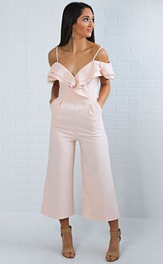 jumpsuit for pref round of sorority recruitment Ruffle Jumpsuit, Floral Jumpsuit, Dressy Outfits, Chic Outfits, The Dress, Dress Skirt, High Street Fashion, Cocktail Attire, Sorority Recruitment
