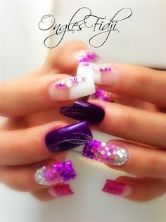 purpleeee by Nail Art Gallery nailartgallery. by Nails Magazine Sexy Nails, Hot Nails, Fancy Nails, Hair And Nails, Fabulous Nails, Gorgeous Nails, Pretty Nails, Purple Nails, Glitter Nails