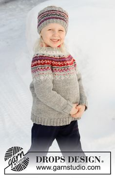 Winter Berries / DROPS Children - Knitted children's jumper in DROPS Karisma. The piece is worked top down with round yoke and Nordic pattern on yoke. Knitted head band in DROPS Karisma. The piece is worked with Nordic pattern. Kids Knitting Patterns, Knitting For Kids, Free Knitting, Baby Knitting, Crochet Patterns, Drops Design, Pull Jacquard, Norwegian Knitting, Icelandic Sweaters