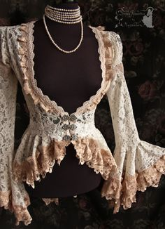 ➸ This cardigan is inspired by late Victorian fashion, ajusted to own design. Its made of a lovely quality ivory bridal lace decorated with fine Mode Vintage, Vintage Lace, Victorian Steampunk, Victorian Art, Gothic, Kleidung Design, Vintage Outfits, Vintage Fashion, Modern Victorian Fashion
