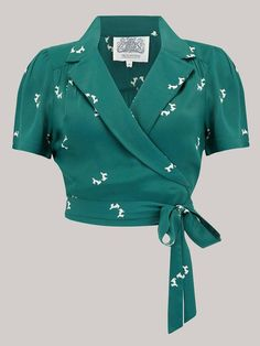 Sari Blouse Designs, Fancy Blouse Designs, Designs For Dresses, Kurta Designs, Stylish Blouse Design, Crop Top Outfits, Modest Outfits, Beautiful Blouses, Fashion Outfits