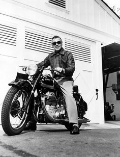 Clark Gable on an Ariel (Red Hunter?). I didn't think it could possibly get any better.