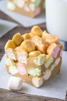 Squares - AKA Peanut Butter Marshmallow Squares Confetti squares just like grandma made. Also known as peanut butter marshmallow squares - these are no bake, only 4 ingredients, peanut butter-y and sweet! Baking Recipes, Cookie Recipes, Dessert Recipes, Yummy Treats, Sweet Treats, Yummy Food, Delicious Recipes, Holiday Baking, Christmas Baking