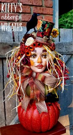 Excited to share this item from my shop: Unusual centerpiece, Fall Centerpiece, Scarecrow cent Halloween Home Decor, Halloween House, Vintage Halloween, Fall Halloween, Halloween Crafts, Halloween Decorations, Halloween Wreaths, Halloween Scarecrow, Halloween Mantel