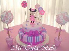 Torta de Minnie coqueta y arbolitos de marhmellows