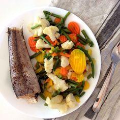 "Kateřina Gallinová on Instagram: ""Baked hake with butter and caraway, carrots, green beans, cauliflower / Pečená mořská štika (hejk) s máslem a kmínem, mrkve, zelené…"" Cobb Salad, Seafood, Fish, Instagram, Sea Food, Pisces, Seafood Dishes"