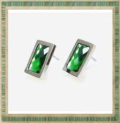 Elegantes Aros de Acero con Zircon tipo Esmeralda. Puedes encontrar todos los modelos disponibles en nuestra tienda. Enamel, Accessories, Templates, Emerald, Steel, Store, Jewels, Vitreous Enamel, Enamels