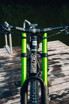 Best Mountain Bikes, Mountain Biking, Velo Dh, Mtb Parts, Mt Bike, Mountian Bike, Downhill Bike, Bicycle Brakes, Cafe Racer Bikes