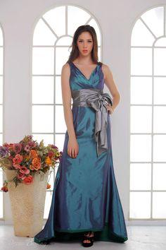 Elegant A-line V-neck Empire Court Train Evening/Prom Dresses