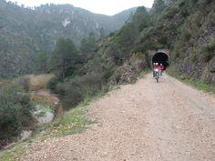 Nuestro viaje de bicicleta del Puente de Diciembre por tierras alicantinas.  http://www.rutaspangea.com/excursiones-rutas/48/244/viaje-en-bici-vias-verdes-del-maigmo-serpis-y-oliva-alicante-y-valencia