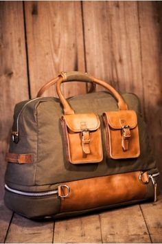 Mens Luggage Expedition Elkton Travel Bag by Buffalo Jackson - Waxed Canvas and Whisky Leather - False Bottom for Boots