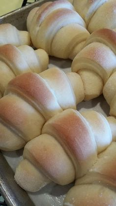 Soft and Simple Dinner Rolls from Lark's Country Heart