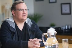 Exclusive: Andy Richter Makes 'Portlandia' Debut in New S7 Clip