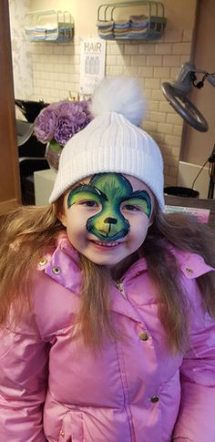 Grinch facepaint, face painting, green, christmas, Festival Looks, Green Christmas, Grinch, Sparkle, Face, Painting, Festival Style, Painting Art, Glow
