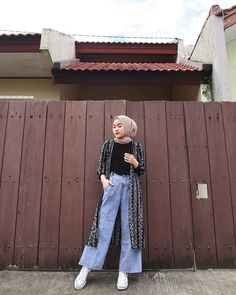 Modest Fashion Hijab, Modern Hijab Fashion, Street Hijab Fashion, Casual Hijab Outfit, Hijab Fashion Inspiration, Ootd Hijab, Muslim Fashion, Mode Inspiration, Ootd Fashion