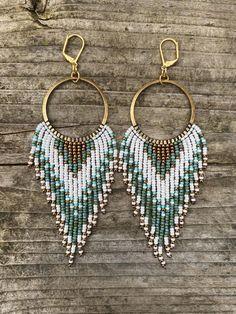 Seed Bead Jewelry, Bead Jewellery, Seed Beads, Beaded Jewelry, Beaded Bracelets, Seed Bead Bracelets Tutorials, Vintage Jewellery, Antique Jewelry, Bead Earrings