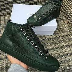 Balenciaga Arena £385 inc next day delivery Size UK 8 / EU 42 ✅ Order via email: ✉️⤵️ sourced-mens@outlook.com #sourcedmens #Balenciaga #balenciagaarena #balenciagamens #balenciagashoes #gq #christianlouboutin #louboutin #chanel #valentino #versace #gucci #givenchy #louisvuitton #dsquared #nikeoreo #adidasnmd #nmd #sneakers #personalshopper #ss16 #summer #worldwideshipping