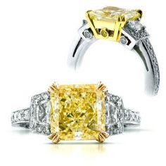 4.08 CT. T.W. Fancy Yellow Radiant-Cut Diamond Ring (Fancy Yellow, SI1)
