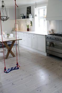 A swing in the kitchen! via: mali-mo: - Studio Interior, Interior Styling, Interior Design, Scandinavian Interior, Scandinavian Style, House By The Sea, Homemaking, Interior And Exterior, Beach House