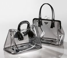 Prada clear bags, cool idea, but I don't really want random folks sketchin on my… - Women's Handbags Bag Prada, Prada Handbags, Fashion Handbags, Purses And Handbags, Fashion Bags, Fashion Accessories, Tote Bags, My Bags, Transparent Bag