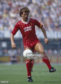 Liverpool captain Graeme Souness on the ball August 1983 Liverpool Captain, Liverpool Players, Fc Liverpool, Liverpool Football Club, Retro Football, Vintage Football, Football Kits, Football Players, Graeme Souness